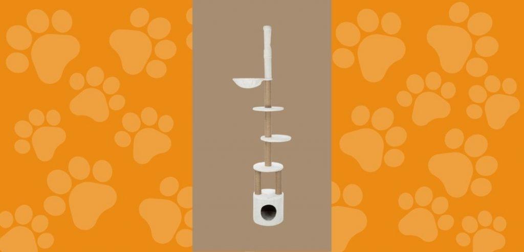 L'arbre à chat Aurelio composé de revêtement en peluche de la marque TRIXIE